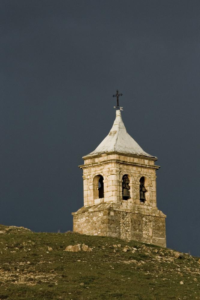 Cillas Iglesia Románica. Señorio Molina de Aragón. Trufa Negra fresca
